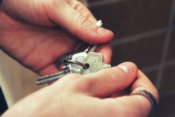 Casa sau apartament? Argumente pro si contra