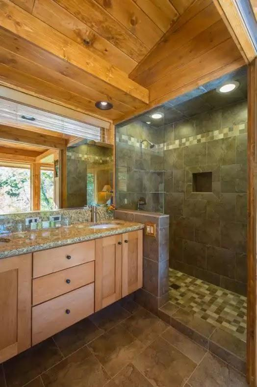 Casa de vacanta din lemn de 36 de metri patrati, baie