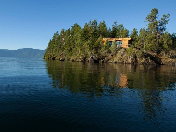 Casuta de vacanta de vis pe malul lacului - Galerie foto