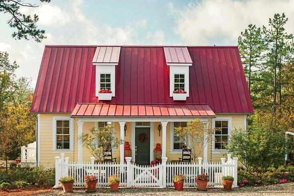 Casuta vintage cu veranda si trei dormitoare - proiect si imagini