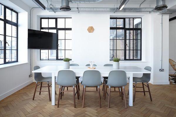 Ce mobilier poti comanda online de acasa