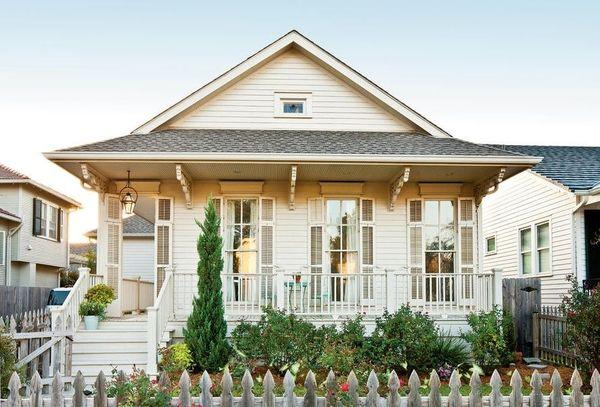 Casa stil cottage plina de farmec cu verande si 4 dormitoare - proiect si imagini