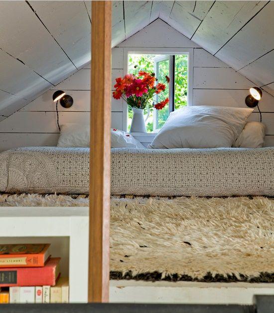 23 dormitoare de vis amenajate la mansarda care este preferatul tau. Black Bedroom Furniture Sets. Home Design Ideas