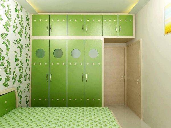 Dormitor nuante de verde