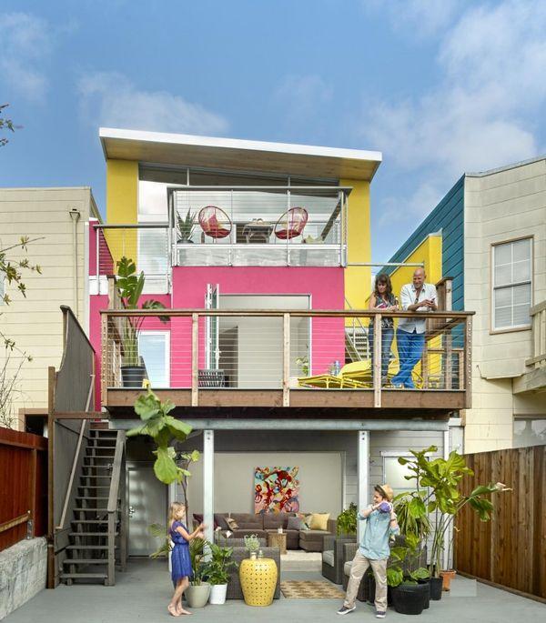 Casa veche transformata intr-o locuinta moderna, vesela, pentru o familie cu 2 copii