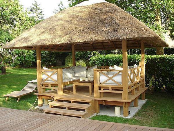 Pavilion din lemn