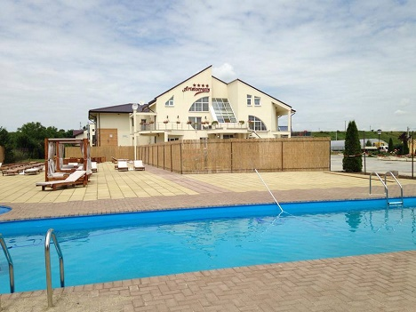 Functionalitate dubla pentru piscine