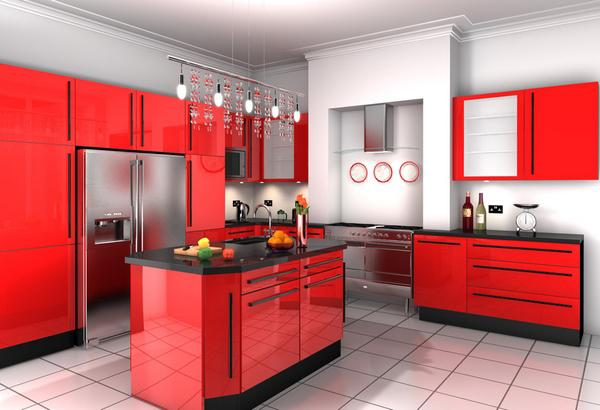 Bucatarie cu insula cu mobilier de culoare rosie