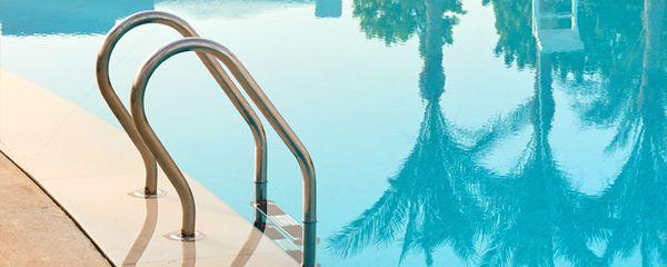 5 pasi importanti pentru a mentine apa curata din piscina