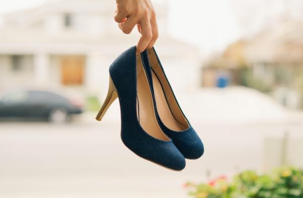 Cum porti la birou pantofii de dama din piele