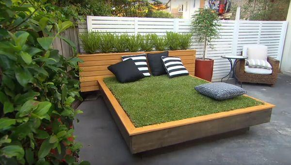 La iarba verde intr-o terasa sau curte betonata. Cum realizezi un pat din gazon pas cu pas.