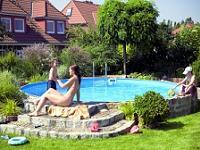 Piscine pentru gradini mici for Amenajari piscine