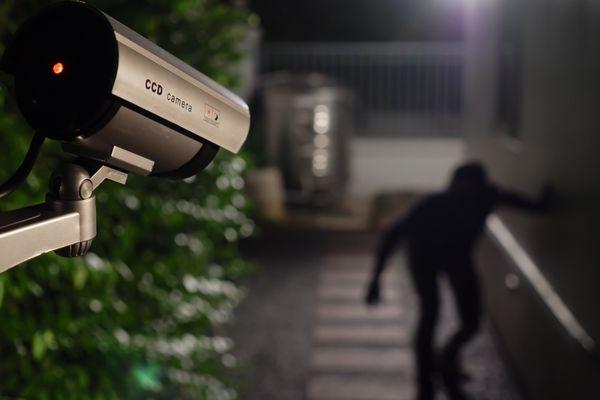 Cum iti protejezi casa de hoti - 5 metode eficiente
