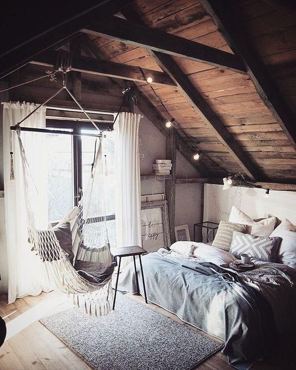 23 dormitoare de vis amenajate la mansarda. Care este preferatul tau?