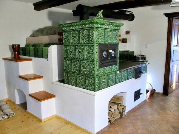 Sobe si seminee cu pat sau bancuta, ideale pentru case rustice, clasice sau moderne