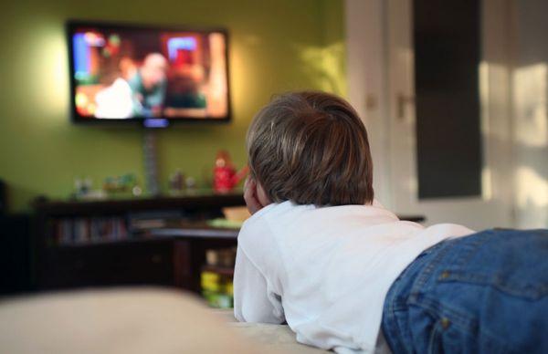 Ce tip de televizor sa cumperi pentru copii?