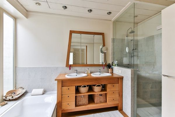 Top 5 piese de mobilier pe care le poti avea in baie