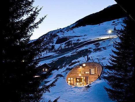 Vila din Alpi... la propriu - Galerie foto