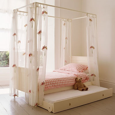 Pat cu baldachin copii si tineret pat simplu for Beautiful children s bedrooms