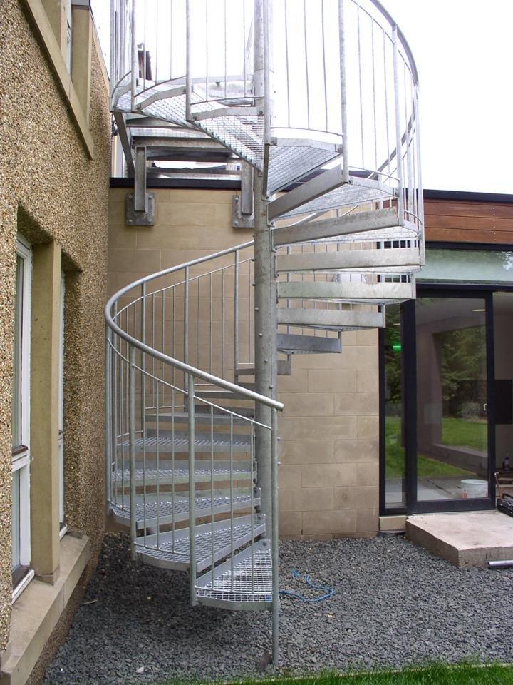 Scari metalice exterioare scari zincate scari scari for Gradas exteriores