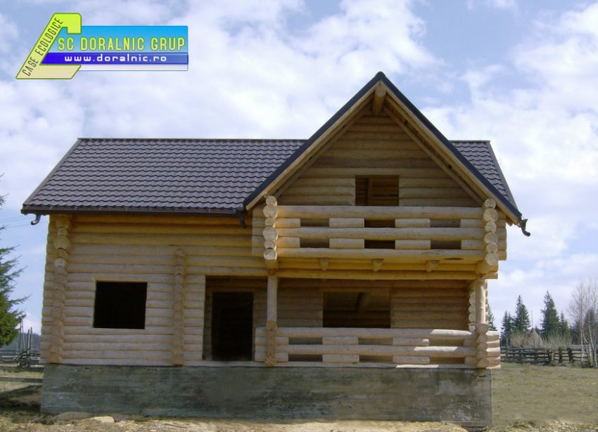 Cabane din lemn rotund case si vile case de vacanta for Case de lemn rotund