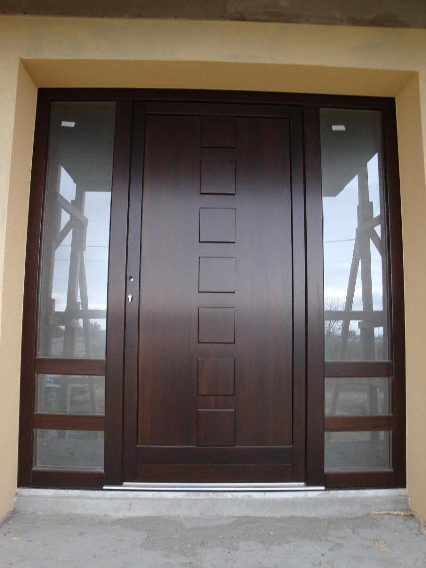 Usi de intrare din lemn stratificat ferestre si usi usi for Usi de interior