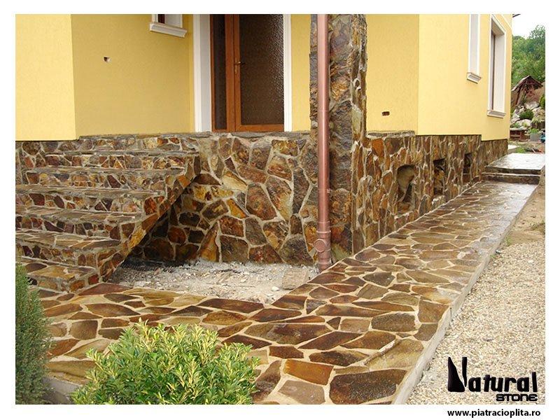 Piatra pentru soclu garduri pavaje pardoseli si for Modele de garduri pentru case